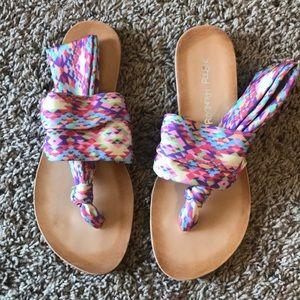 Yoga sandals size 7/7.5